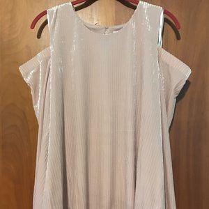 Calvin Klein blush velour cold shoulder shirt Sz L